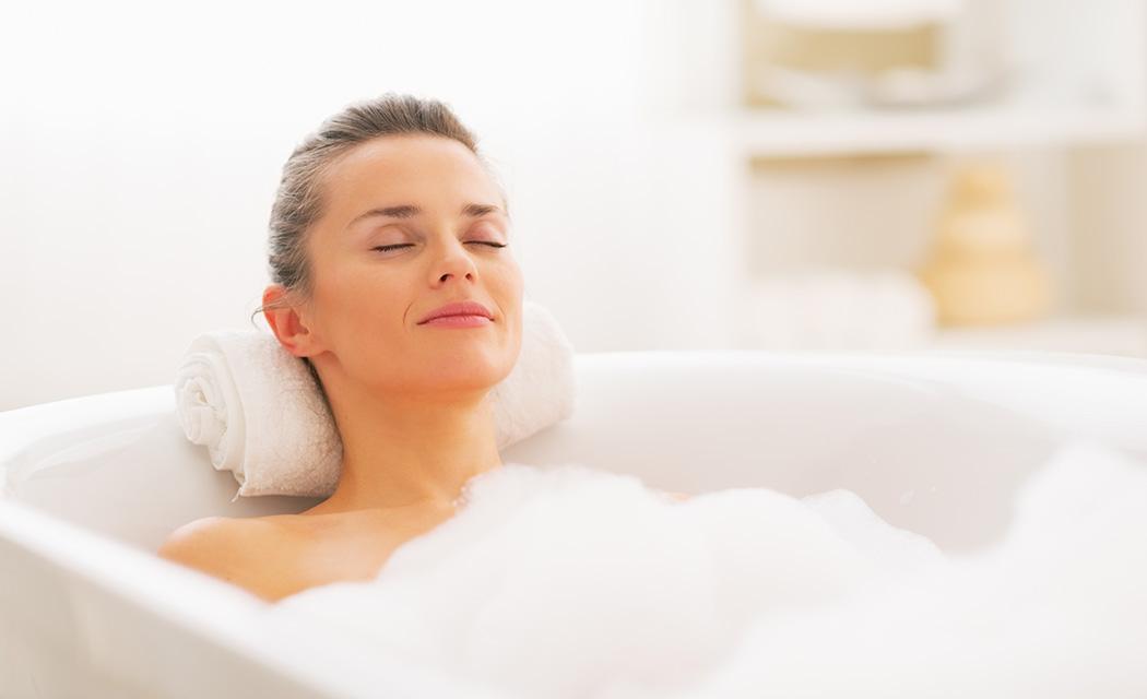 Il benessere di un bagno caldo con le perline colorate for Bagno caldo durante il ciclo